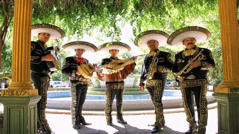 Mariachis - Mextrotter