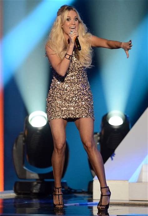 Video: Carrie Underwood Performs 'Good Girl' at CMT Music