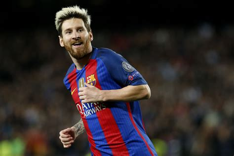 Messi Extends Barca Contract | Financial Tribune