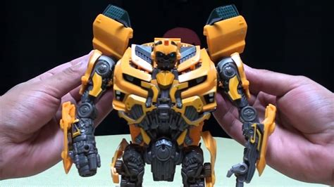 DOTM Leader Class BUMBLEBEE: EmGo's Transformers Reviews N