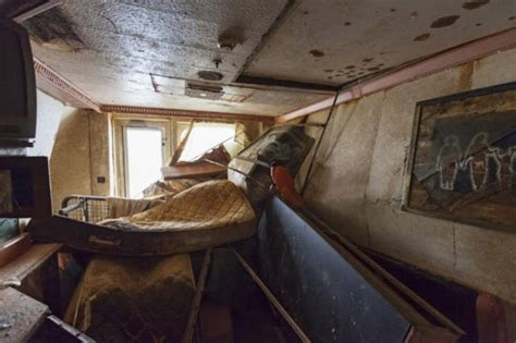 A Fascinating Journey inside the Wreckage of the Costa