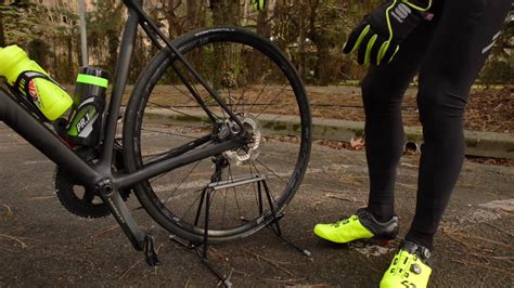 Reecensione Canyon Ultimate CF SL Disc - YouTube