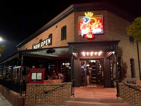 Remodeled King's Fish House thrives despite lack of