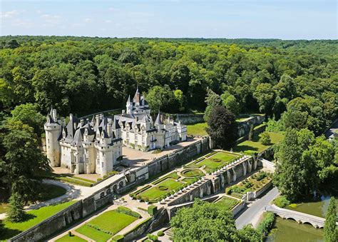 French Castles and Loire Valley Châteaus to Visit