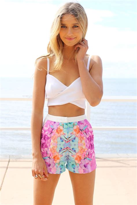 How to Wear a Crop Top for Every Occasion - All For