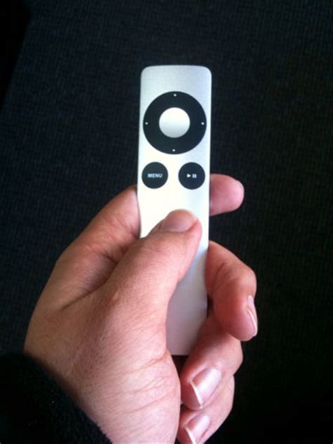 Review: Apple Aluminum Remote Control for iPhone and iPod