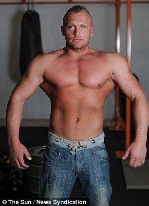 Bodybuilder can't live without anabolics despite suffering